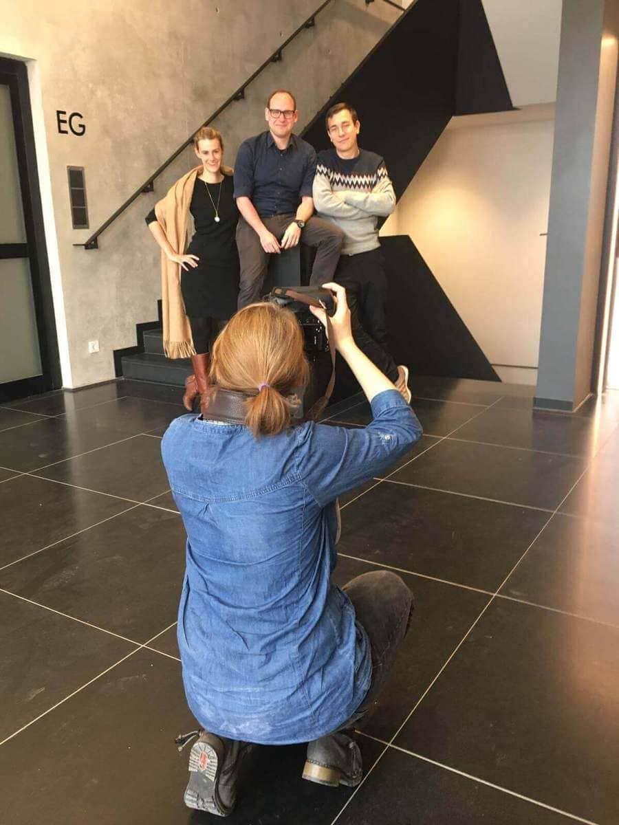 Mitarbeiterfotografie social bee